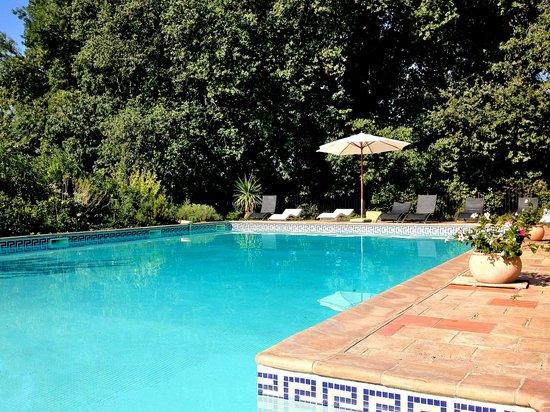 Charming Chateau: Château Hermitage la piscine chauffée