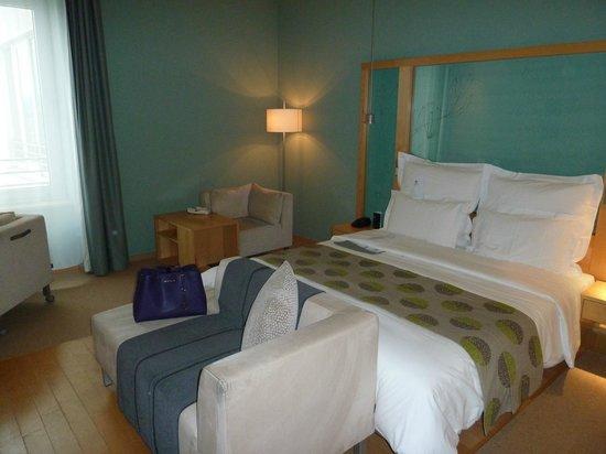 Le Méridien Hamburg: Room