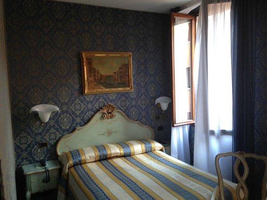 Santa Marina Hotel: Oda