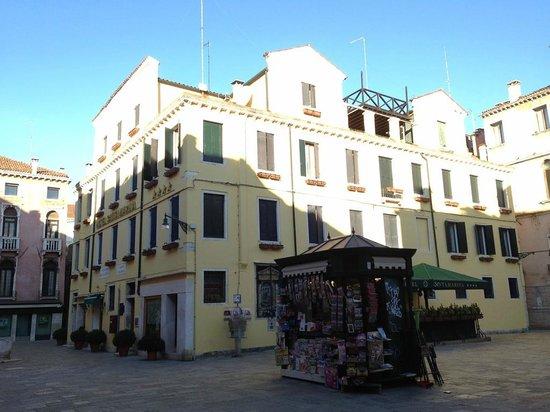 Santa Marina Hotel: Otel dış görünüm