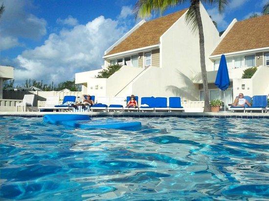 West Wind Club II: We loved this pool - very warm!