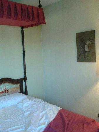 Hotel Temple Ponferrada: detalle del cuadro, vaya espanto