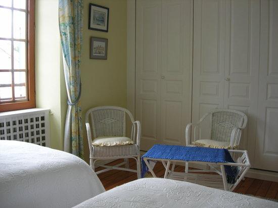 """La Petite Famille: Suite """"Thomas"""" bedroom"""