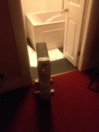 Station Hotel Bar & Restaurant: The heater