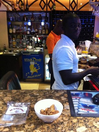 "Royal Richester Hotel : Introducing the guys to ""Pork Scratchings"""