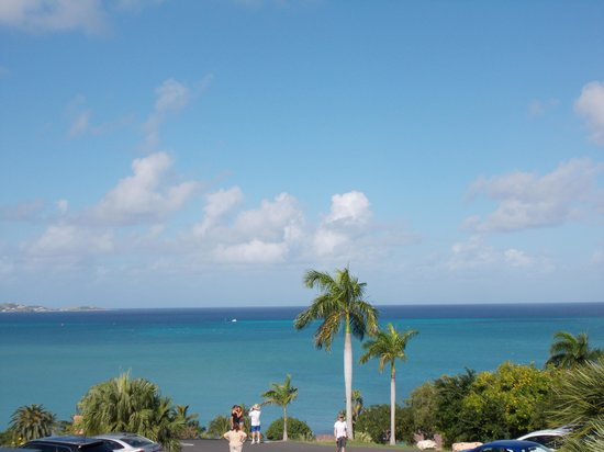 The Buccaneer St Croix: Beautiful blue water!