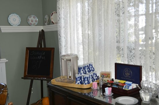 The Ivy House Bed and Breakfast: guest coffee area in the dining room