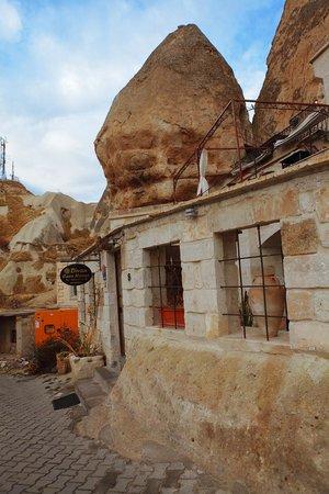 Divan Cave House: divan1