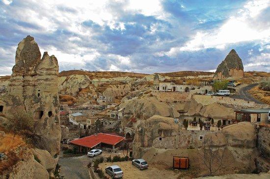 Divan Cave House: divan2