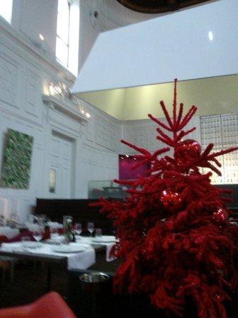 L'Assise - Hotel Radisson Blu : la salle de restaurant l'ASSISE