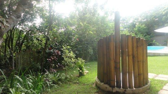 Pousada Vila Pitanga: Área da piscina