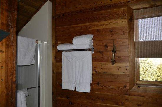 The Lodge at Mark Twain Lake: plenty of towels