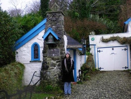Paddy Campbell's Belfast Famous Black Cab Tours: St. Gobban's, Tiny church!