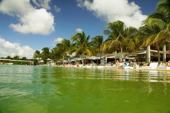Papagayo Beach Resort: de beach club