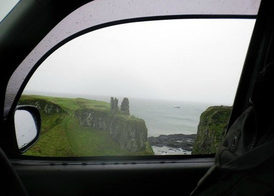 Paddy Campbell's Belfast Famous Black Cab Tours: View from the front seat