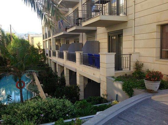 SENTIDO Aegean Pearl: Vår balkong