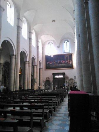 Duomo di Torino e Cappella della Sacra Sindone: Navata centrale dall'abside