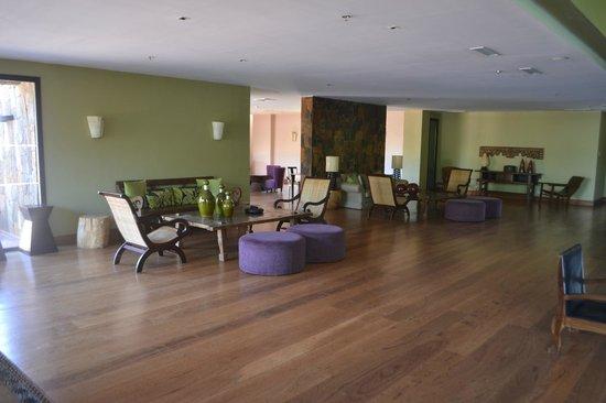 Loi Suites Iguazu: Recepcion