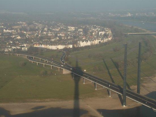 Rhine Tower (Rheinturm) : VIEW FROM THE TOWER