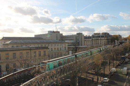 Residence De Bruxelles: Vue de la chambre 5e étage