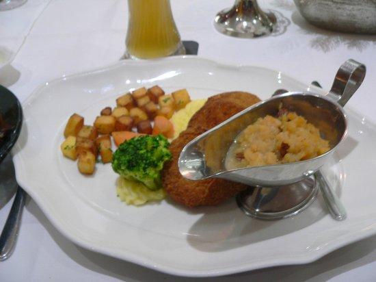 Hotel & Restaurant Weisser Hirsch: Vegetarian swede croquettes - excellent!