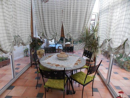 B&B Angelide: la sala da pranzo