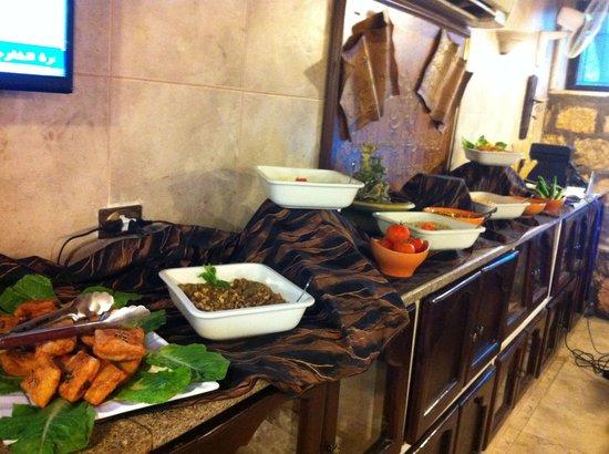 Restaurant Telaat Jelad: بوفيه مفتوح