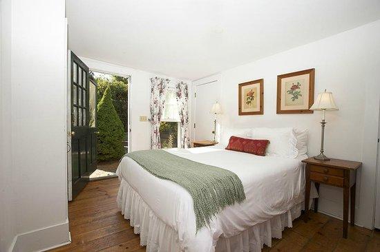 The Summer House - India Street Inn: Tulip-1