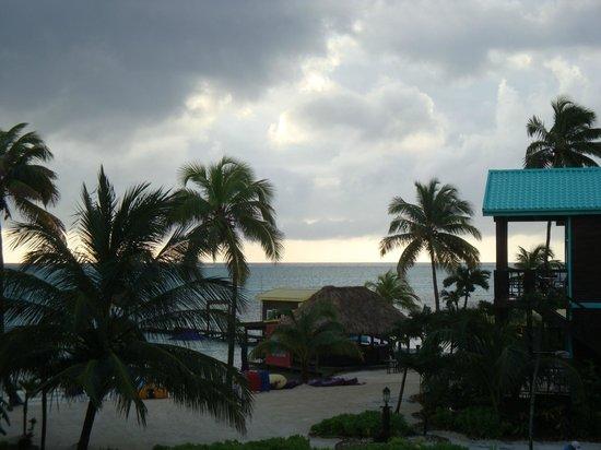 X'tan Ha Resort: Pool and ocean view