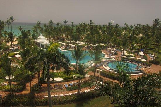 Hotel Riu Palace Punta Cana: Vista Panorámica de la Piscina