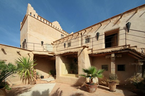 Kasbah Gousteau : Inner courtyard and our room on the 1th floor.