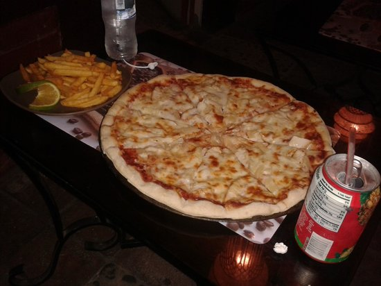 Yosch Cafe: Better-than-Domino's-Pizza, Crisp and Crunchy Fries