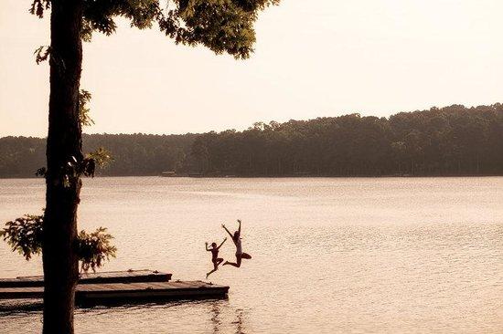 The Ritz-Carlton Reynolds, Lake Oconee: Jumping off dock