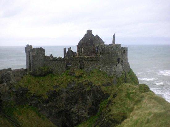 Paddy Campbell's Belfast Famous Black Cab Tours: Dunluce Castle