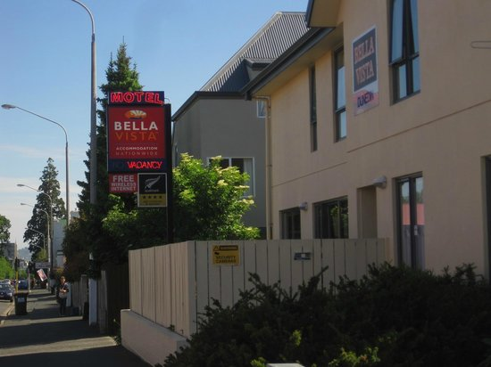 Bella Vista Dunedin: Front view