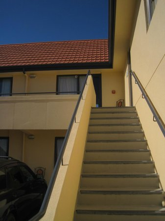 Bella Vista Dunedin: My room was at top of the stairs.