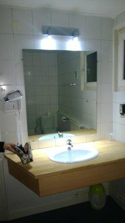 ETC Hotel: lavabo