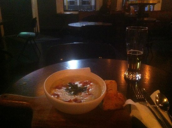 The Crown Little Empire Bar and Eating House: Zuppa di vongole