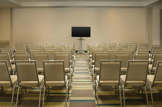 Four Points by Sheraton Jacksonville Beachfront: Beluga Meeting Room