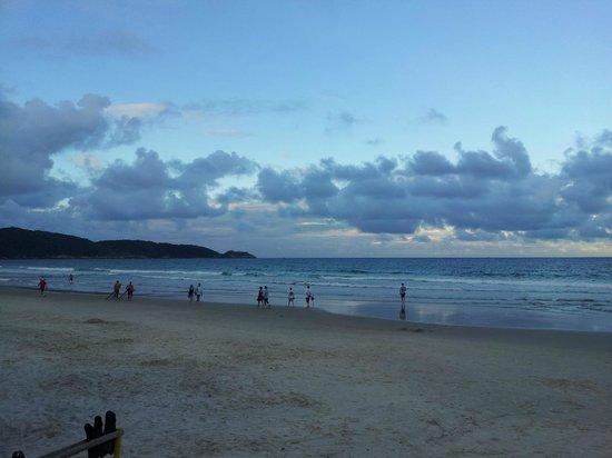 Bombas Beach : PARA PASSEAR DE MÃOS DADAS