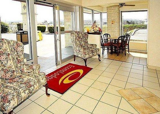 Econo Lodge : Lobby