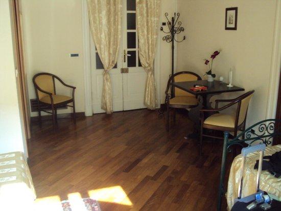 Hotel Etnea 316: excelente dormitorio!!! bello