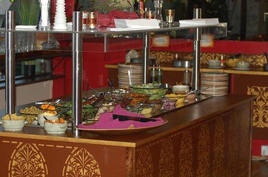 Kryddlegin Hjortu: salad bar