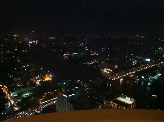 Tower Club at Lebua: top left hand corner.. if you can spot a circle of lights. like a faris wheel. That is asiatic