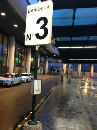 Crowne Plaza Milan - Malpensa Airport: shuttle stop