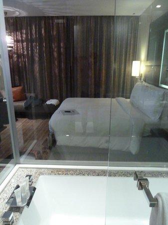 The Westin Bahrain City Centre: Room from bathroom
