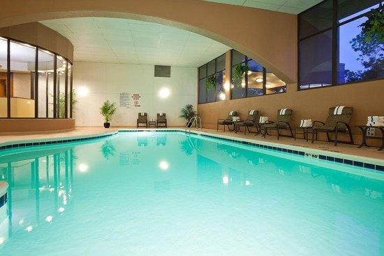 Radisson Hotel Milwaukee West: Radisson Milwaukee West Pool
