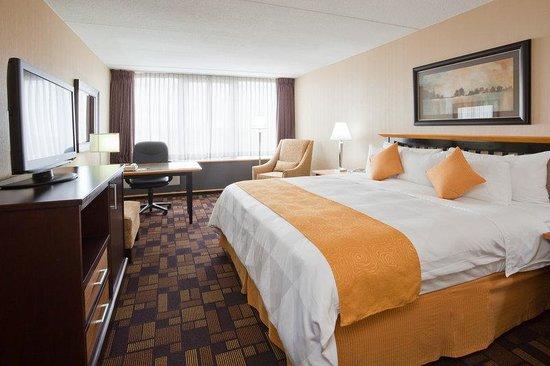 Radisson Hotel Milwaukee West: Radisson Milwaukee West Executive King