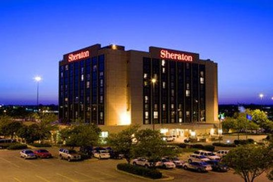 Sheraton West Des Moines Hotel: Exterior View