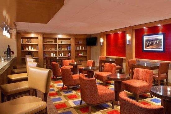 Four Points by Sheraton Los Angeles Westside: Lounge Bar